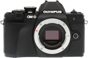 Olympus OM-D E-M10 III Front